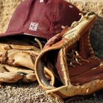 Reviews of the best baseball gloves for your money in 2016-2017