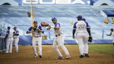 warm-up-baseball