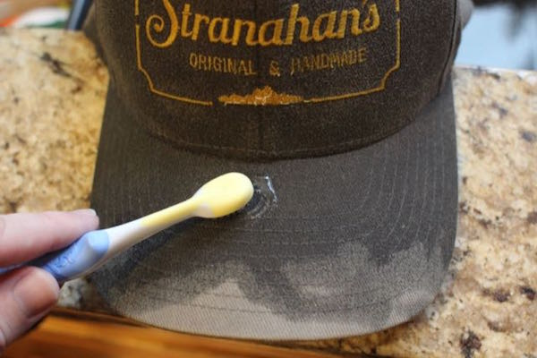 Cleaning jersey mesh baseball caps